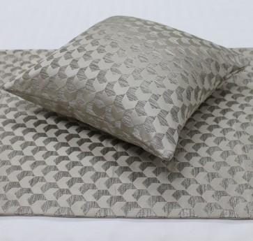 Regency Jacquard Bed Runners & Cushion – Champagne