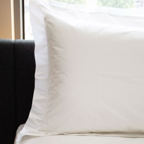 Crisp Pillowcases - White - Standard Tailored